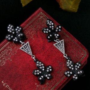 Jewelry - Crystal Flower Earrings